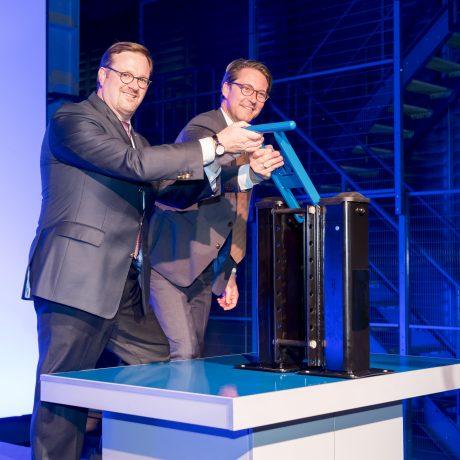 Eröffnung Oberflächenzentrum: Bernard Krone und Bundesverkehrsminister Andreas Scheuer