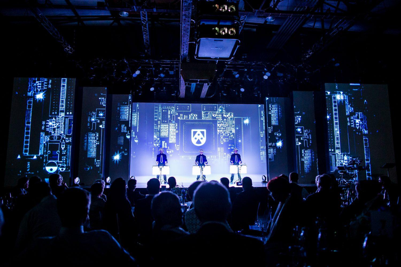 Bühne mit Robotact
